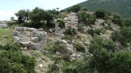 Αρχαίο Κάστρο - Ακρόπολη Βρύναινας